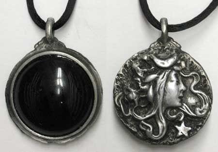 Amazing Goddess Scrying Amulet
